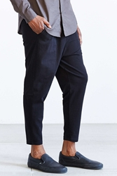 Your Neighbors Pleated Knit Tapered Ankle Length Pant Black