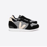 Veja Holiday Black Low Top Trainers