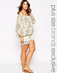 Alice And You Lace Embellished Shorts Cream