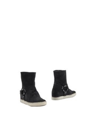 Pause Ankle Boots Black