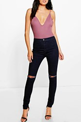 Boohoo High Rise Jeans With Knee Rips Indigo