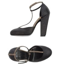 Liviana Conti Footwear Courts Women