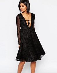 Daisy Street Skater Dress In Lace With Plunge Neck Black