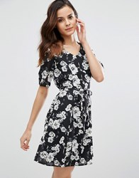 Poppy Lux Thereasa Rose Tea Dress Black White Floral