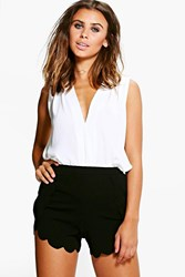Boohoo Tai Scallop Hem Short Black