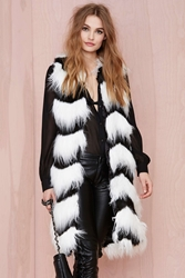 Nasty Gal Glamorous Opposition Faux Fur Vest