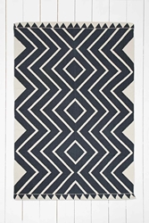 Diamante 4X6 Rug In Charcoal Urban Outfitters