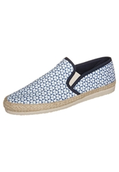 Kiomi Slipons Exclusive Print White