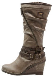 Mustang Wedge Boots Taupe