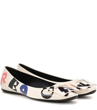 Roger Vivier Gommette T Shirt Rv Printed Patent Leather Ballerinas White