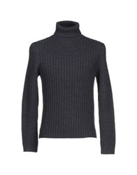 Valdoglio Turtlenecks Lead