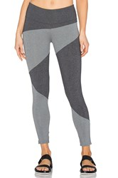 Solow Invert Capri Legging Grey