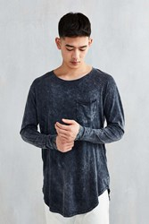 Feathers Mineral Wash Curved Hem Long Sleeve Tee Washed Black