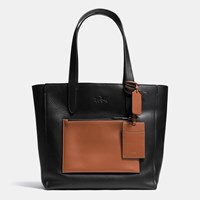 Coach Manhattan Tote In Leather Black Saddle