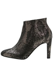 Kennel Schmenger High Heeled Ankle Boots Black Gold