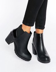 Pull And Bear Pullandbear On Boot With Patent Detail Black