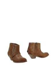 Htc Ankle Boots Camel