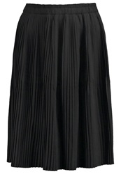 Y.A.S Yas Yaseffie Pleated Skirt Black