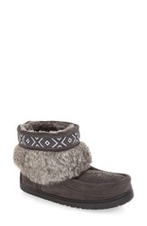 Manitobah Mukluks Women's 'Keewatin' Genuine Shearling And Rabbit Fur Boot Charcoal Rabbit Fur Suede