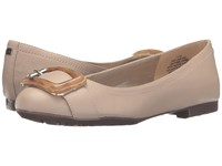 Bandolino Corrado Oyster Pearl Leather Women's Shoes Beige