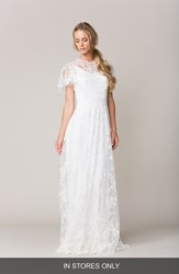 Women's Sarah Seven 'Calais' Flutter Sleeve Lace A Line Gown In Stores Only