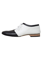 Y's Colorblock Oxford White And Black