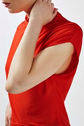 Boutique Sleeveless Funnel Top By Red