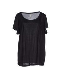 Amy Gee T Shirts Black
