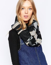 Yumi Patterned Snood Grey