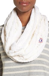 Canada Goose Women's Chunky Cable Wool Snood White