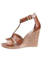 Zign High Heeled Sandals Cognac