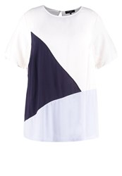 New Look Curves Print Tshirt White Pattern