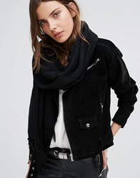 Pieces Woven Scarf With Tassels In Black Black