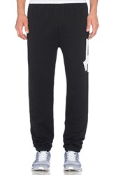 Undefeated Big 5 Strike Sweatpant Black
