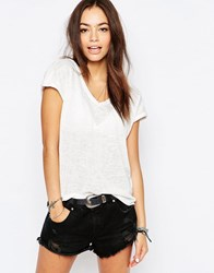 New Look Relaxed V Neck Tee Cream
