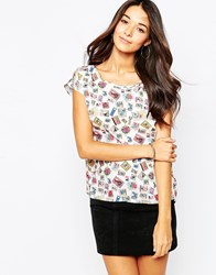 Yumi Split Back Top In Postcard Print White