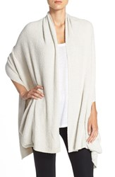 Women's Barefoot Dreams 'Bcl' Travel Shawl