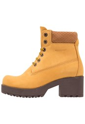 Darkwood Platform Boots Yellow