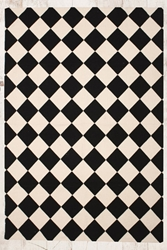 Diamond Check 5X7 Rug In Black At Urban Outfitters