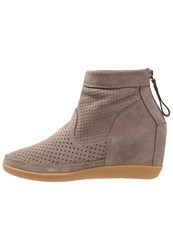 Shoe The Bear Emmy Wedge Boots Taupe