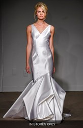 Women's Anna Maier Couture 'Caterina' Duchess Satin V Neck Trumpet Gown Soft White
