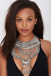 Nasty Gal Drama Queen Rhinestone Collar Necklace