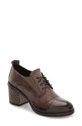 Kbr Women's Cap Toe Oxford Mud Leather