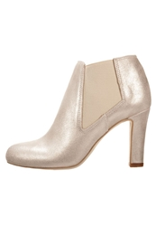Eden Ankle Boots Beige
