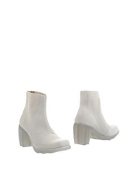 Audley Ankle Boots Beige