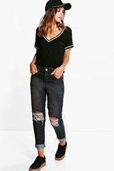 Boohoo Suki Ripped Knee Mom Jean Charcoal