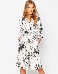 Closet Dress With Kimono Sleeve In Shadow Floral Print Multi White