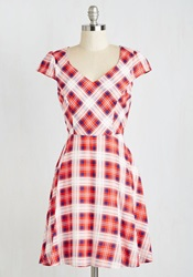 Work This Way Dress In Red Plaid Mod Retro Vintage Dresses Modcloth.Com