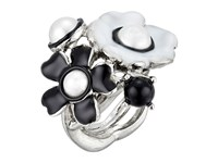 Oscar De La Renta Flower Pearl Ring White Black