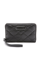 Marc By Marc Jacobs Crosby Quilted Wristlet Black
